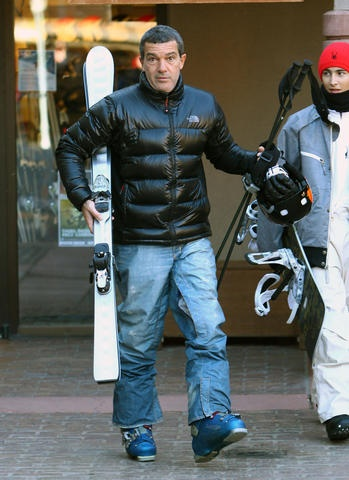 Antonio Banderas is prepped for the mountain. http://bit.ly/zb8rW9