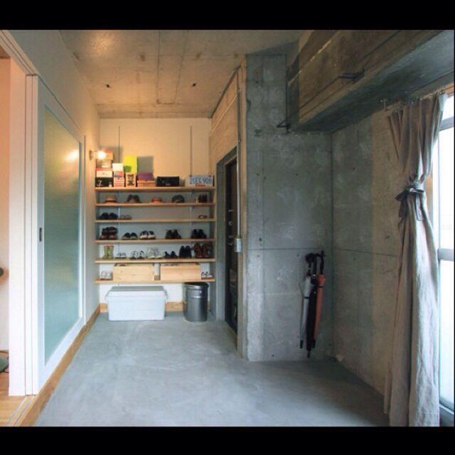 furuhouseさんの、玄関/入り口,無印良品,照明,傘立て,土間,アイアン,靴棚,モルタル,手作りカーテン,のお部屋写真
