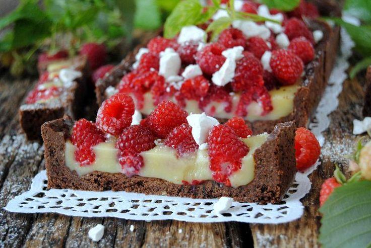 Przepis - Malinowo- czekoladowa tarta przepis - Gotujmy.pl