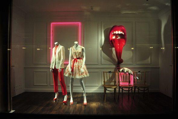 Мы вам покажем: 7 оформителей витрин московских магазинов. Изображение № 1.