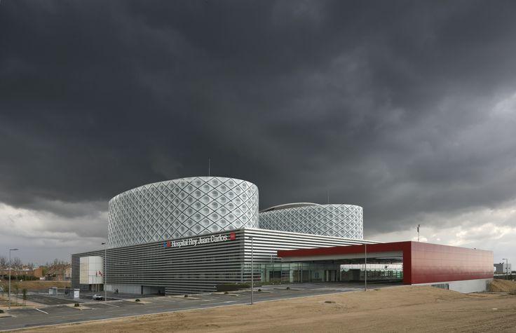 Hospital Rey Juan Carlos. Rafael de la Hoz  http://www.envolvente-arquitectonica.com/