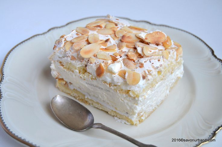 Prajitura Verdens Beste - cea mai buna din lume. Un tort - prajitura cu bezea, crema de vanilie cu frisca si fulgi de migdale. O prajitura simpla, rapida si