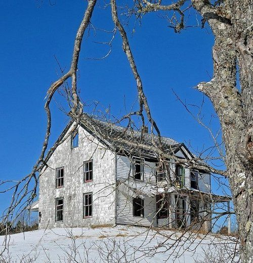 Best Abandoned Places Canada: 17 Best Images About Abandoned Mansions On Pinterest