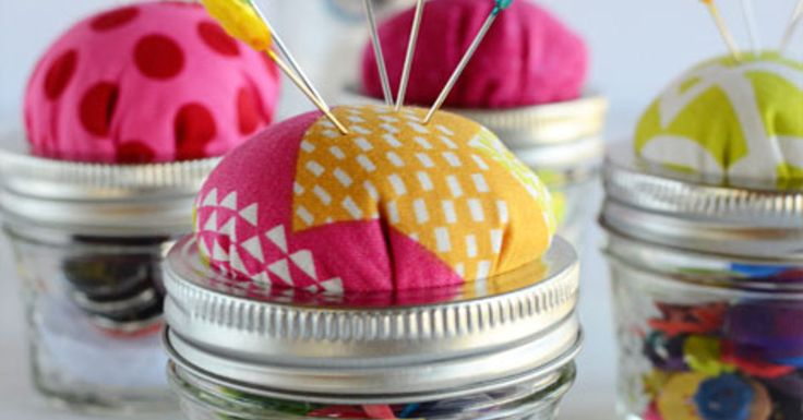 Need an inexpensive and easy-to-make gift. This Mason Jar Pin Cushion is a perfect project. No special skills are needed and it can be made in a few minutes.…