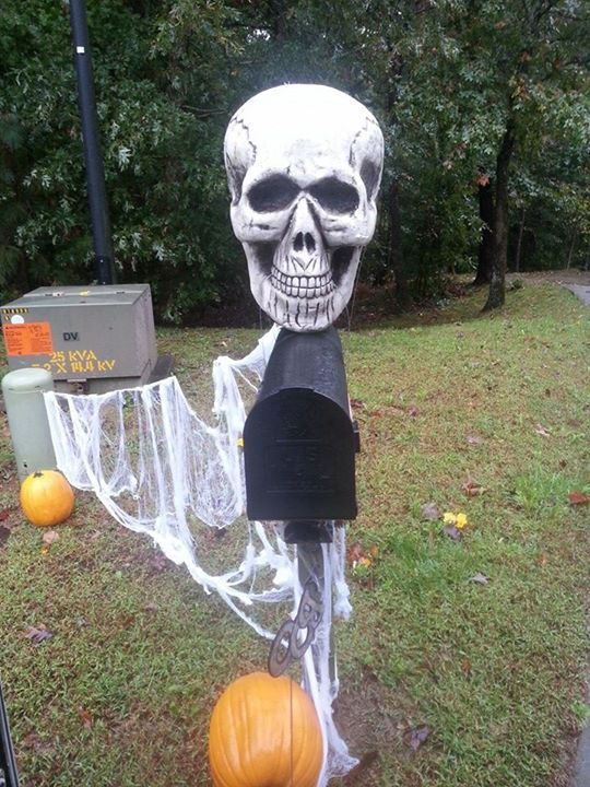 49 best images about Halloween Mailboxes on Pinterest  ~ 222911_Halloween Decorating Ideas For Mailboxes