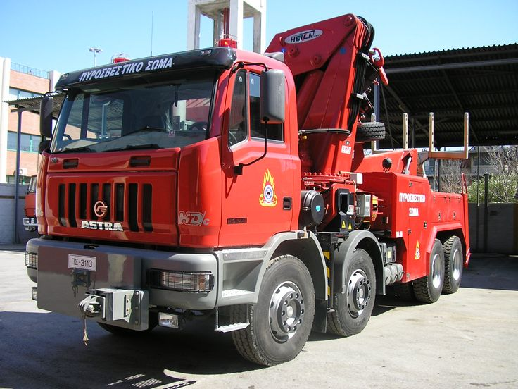 Astra HD7C 84-45 tow truck of the Fire Service of Greece.