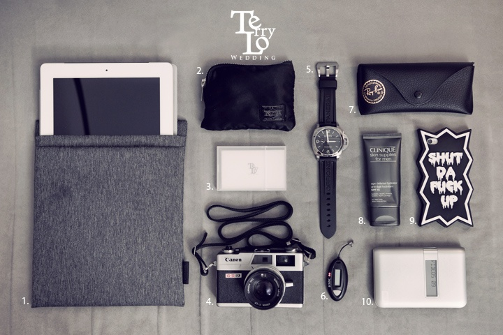 personal belongings in this latest Essentials : Terry Lo  1. ipad2 with Cote&Ciel Fabric Pouch  2. Head Porter Zip Wallet   3. MUJI PP Flip-Top Card Case with Terry Lo Wedding name card  4. 1972 Canon Canonet G-III QL17  5. Panerai PAM 312  6. HSBC security key  7. Ray-Ban AVIATOR sunglasses  8. CLINIQUE skin supplies for men  9. iphone 4s with Candies Japan iphone case   10. Western Digital My Passport Studio 500GB