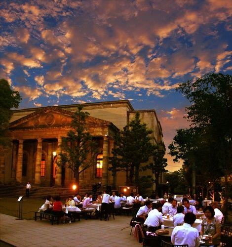 国の重要文化財旧桜宮公会堂をのぞむ大人のビアガーデンが期間限定オープン