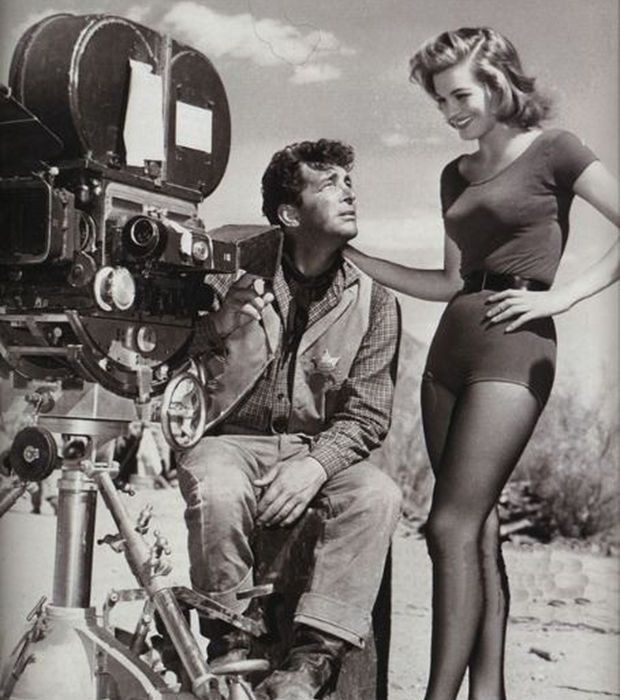 Parce que quand on s'appelait Angie Dickinson en 1959, on pouvait dévoiler ses longues jambes et afficher un large sourire