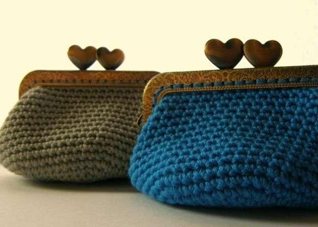 Monederos de crochet redondos, de boquilla cuadrada, con anillas... A continuación, te ofrecemos patrones y diseños de monederos de crochet para que los hagas tú misma.