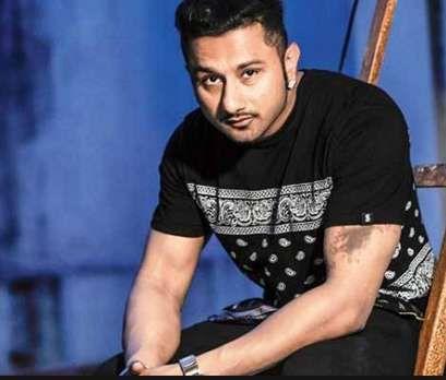 Yo Yo Honey Singh Height, Age, Biography, Wiki, Wife, Family Photos. Hone Singh Date of Birth, Net worth, Salary, Girlfriends, Marraige Photos, Children