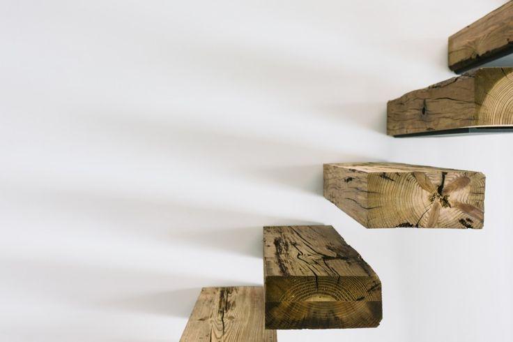 Casa Varatojo / Atelier Data matières .. le bois brut .. extra, suffisant ! mais tremplin à chaque pas + résonnance ...(?)
