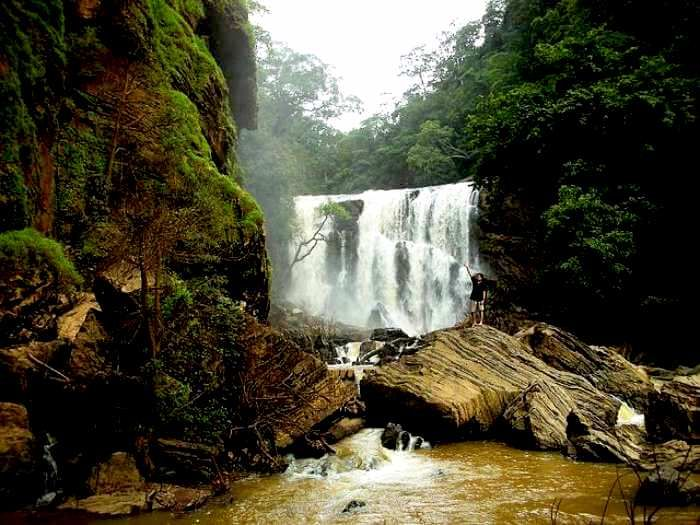 Muuthyalamaduvu Falls Banglore Places To Visit Travel And Tourism Waterfall