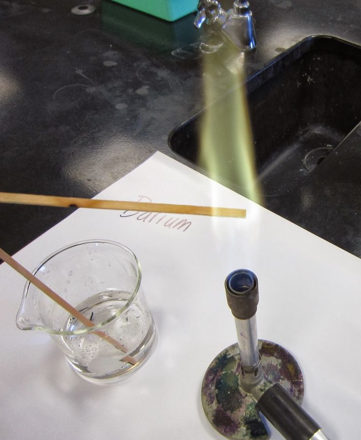 how to conduct a flame test In conducting the flame test, we simply take a sample of the substance, using a platinum wire and place it in a hot flame we then observe the colour a platinum or nichrome wire is used, formed into a loop to hold the substance being tested and then cleaned using dilutes hydrochloric acid.