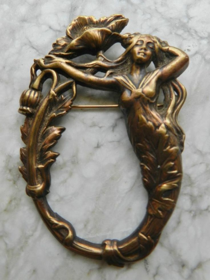 Fantastic Art Nouveau Bronze Brooch Circa 1890's - Gilt Bronze Excellent Condition Feel free to message with any questions! Thanks!