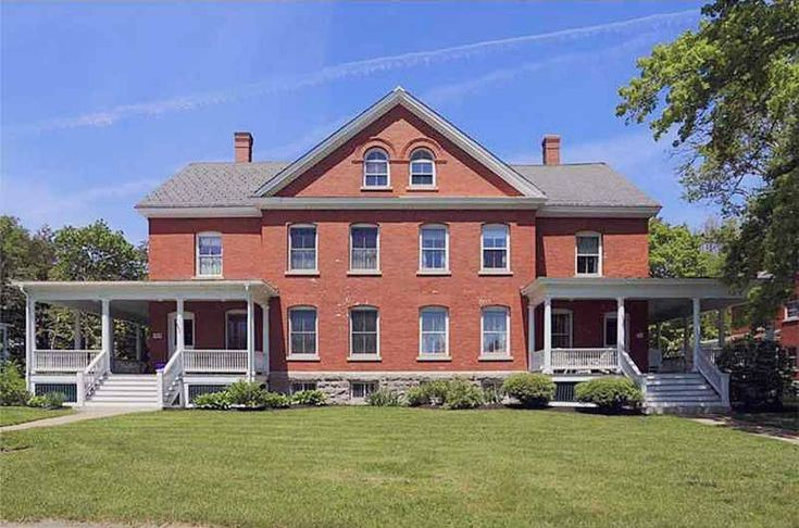 In Portland Maine The Officers Quarters Of 1850 Is