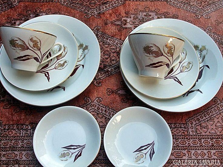 2x4 db.-os jelzett porcelán reggelizős készlet !!