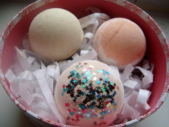 Gift Box of 3 Bath Bombs UK bath bomb set gift for her.