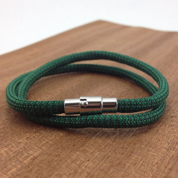 Paracord Bracelet With Stainless Steel Magnetic Clasp In Green And Black Pinterest Bracelets Crochet