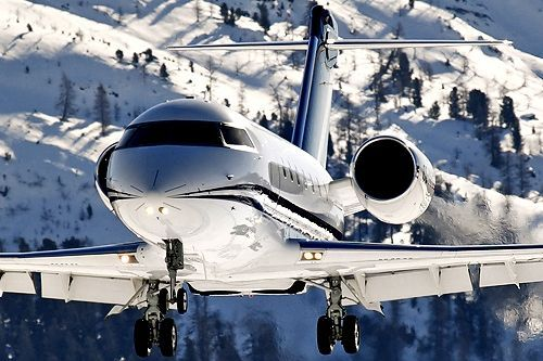 in 15 years i would like to purchase a private jet if i have enough money, those pilot lessons would help me here because i would be able to fly anywhere i wanted #luxuryprivatejet