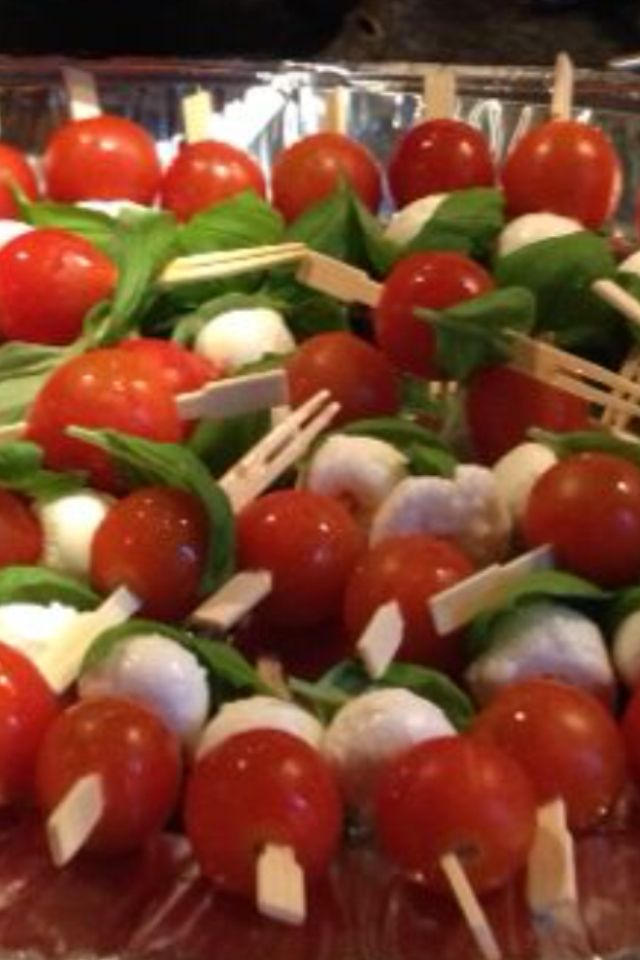 Mozzarella, tomaat, basilicum.