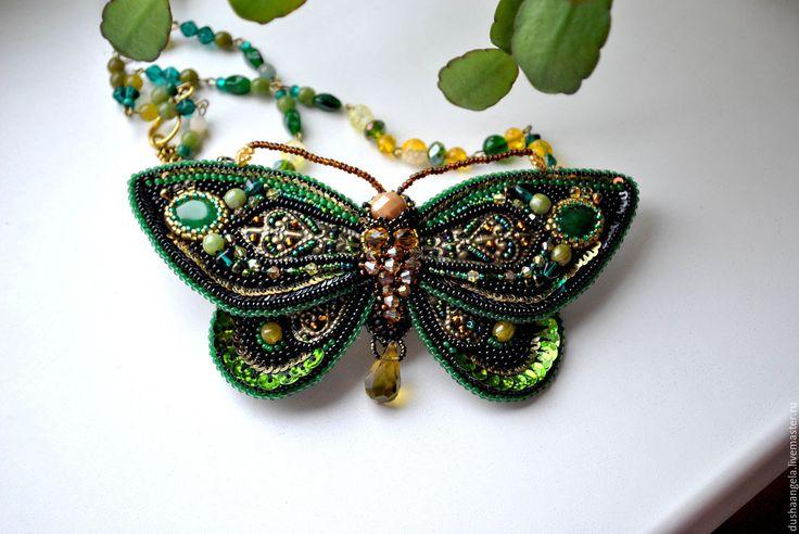 "Купить кулон-колье из бисера ""Изумрудная бабочка"" - зеленый, бабочка, бабочка на шею, кулон"