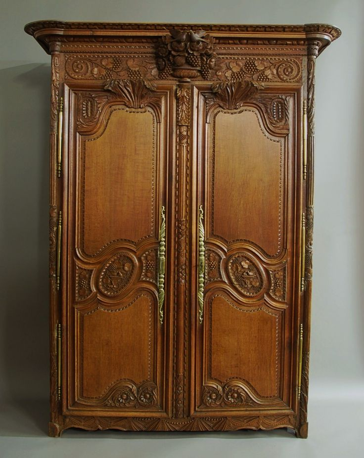 A Beautifully Detailed French Late 18th Century / 19th Century Fine Quality  Oak Marriage Armoires Wardrobe