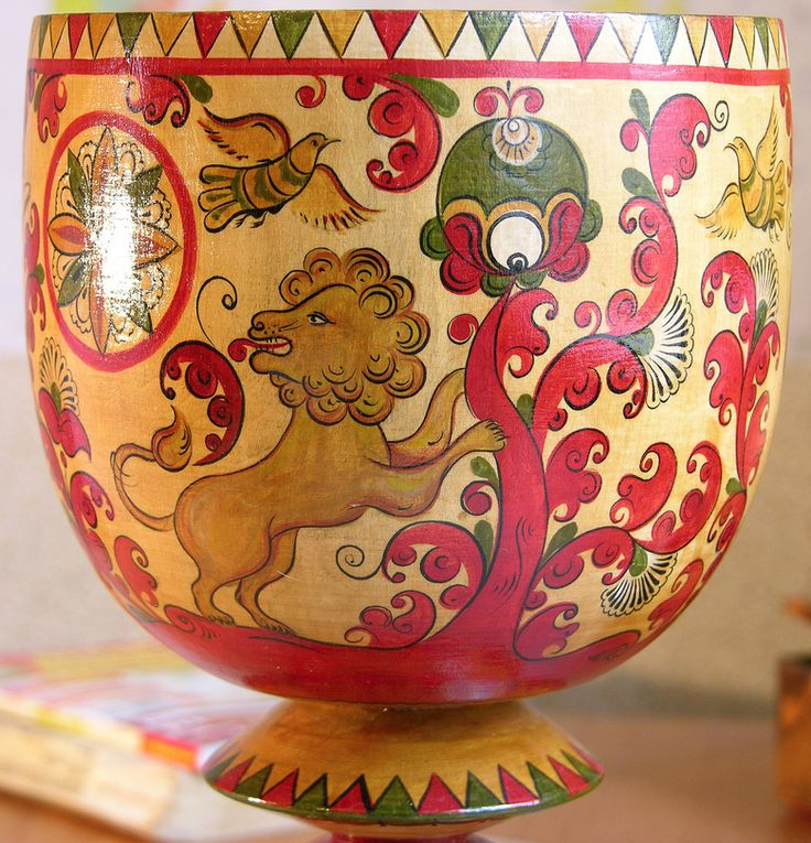 Russian folk painting of Northern Dvina. Cup