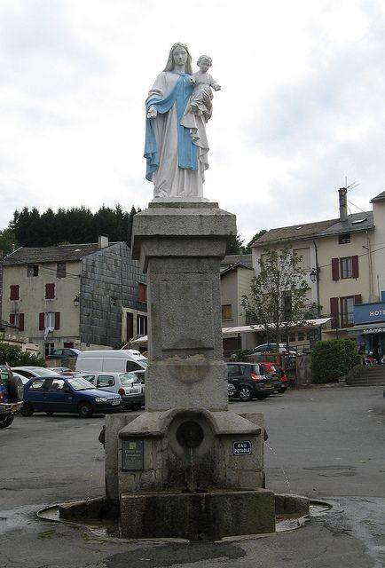 Lacaune Fontaine de la Vierge