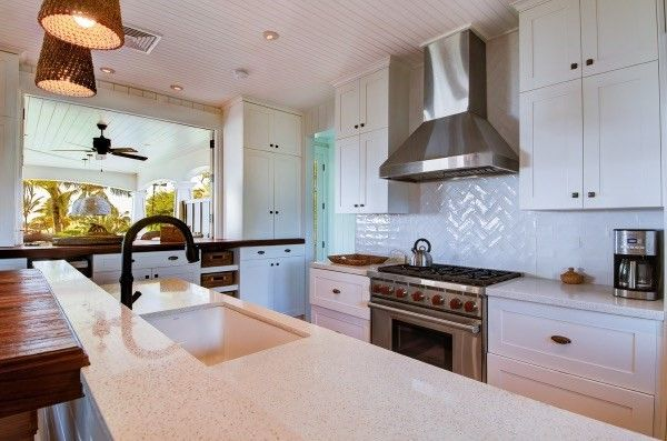 Carerra marble counter tops and Wolfe Stove  Kauai kitchen pic 1