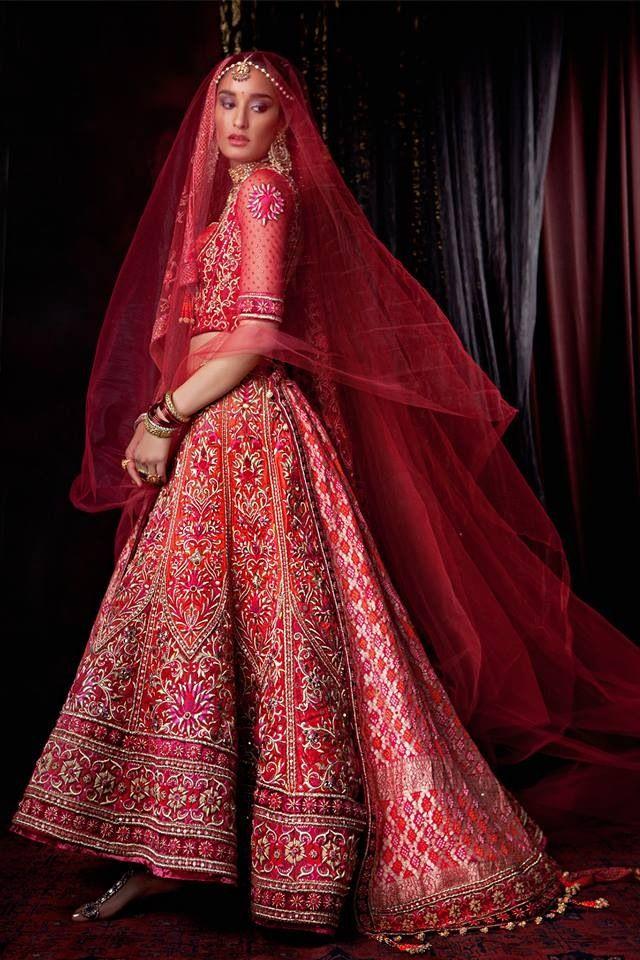 Tarun Tahiliani, red lehenga, Indian bride
