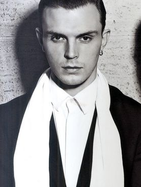 Theo Hutchcraft - love his style