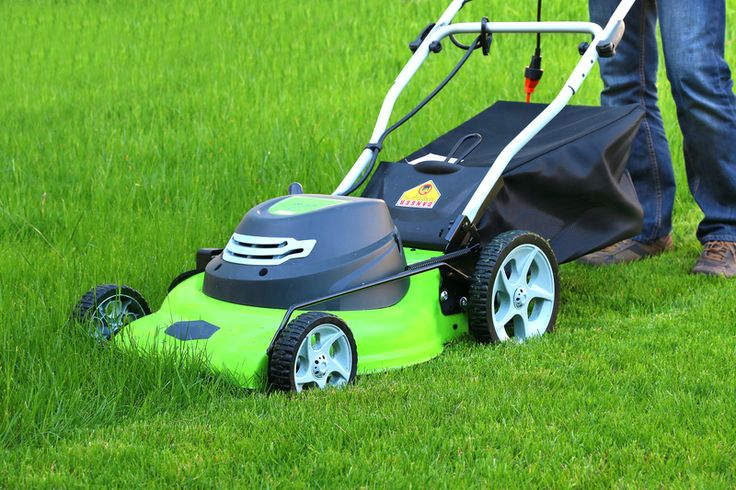 Most likely you've heard of electric lawn mowers. They are great for mowing bigger lawns without tiring you out. But what if you have a small backyard? Do you really need a battery powered lawn mower if you only take 15 minutes to mow your lawn?http://lawnmower-review.com/best-corded-lawn-mower