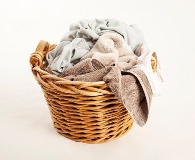 This is a guide about cleaning stinky towels. No one wants to reach for their towel after a shower only to discover that it smells musty. Unfortunately damp towels are the prefect breeding place for bacteria.