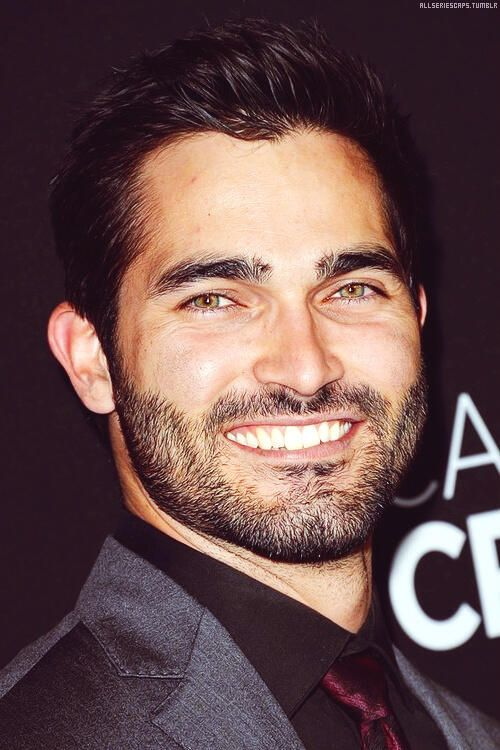 "From every angle , the beauty of Tyler Hoechlin is radiant  <3 ------ The same Premiere ""Call Me Crazy ""  ------- Picture found on Twitter / @Sterekfeels"