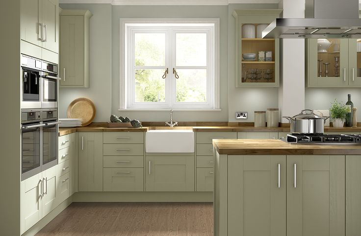 The soft Olive Green over-painting gives a finish that offers a modern interpretation on a traditional design. Somerset Olive Green is the ideal choice if you'd like to give your kitchen a rustic look that showcases the natural beauty of the wood grain pattern.