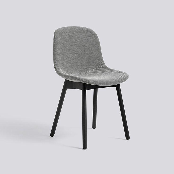 Neu13 tapițat, un scaun de dining produs de HAY – Intro
