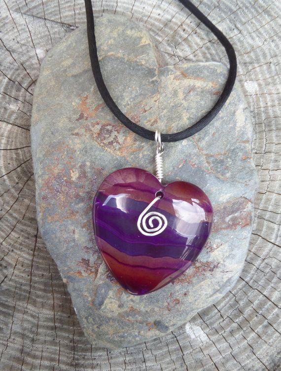 Beautiful Purple Striped Agate Semi Precious by GelflingsCraft