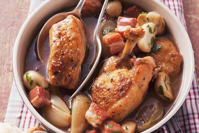 Fait de poulet, de bière porter et de légumes-racines, ce plat d'une grande simplicité est des plus satisfaisants. À déguster à n'importe quel moment de l'année!