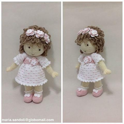 Boa noite! Está é a boneca Joaquina 🎀🎀#maria_sandoli #doll #decoração #daminhadehonra #designercrochet #decoraçãfestademeninas #decoraçãoquartodemeninas #poupee #boneca #cute #croche #crochet #crochearte #crochefofo #crochelindo #crochethart #crochetlove #chadefraldas #portadematernidade#chadebonecas