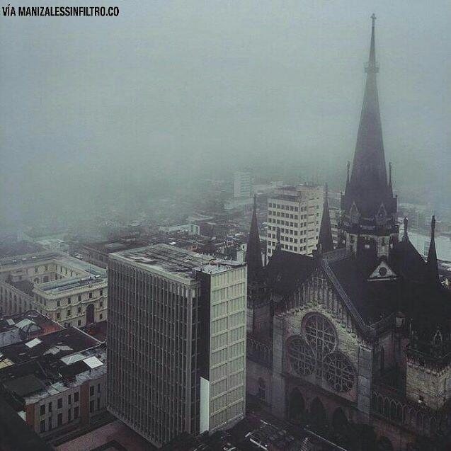 La alegría de contemplar días grises. ⛪💕 _  #ManizalesSinFiltro   #Manizales