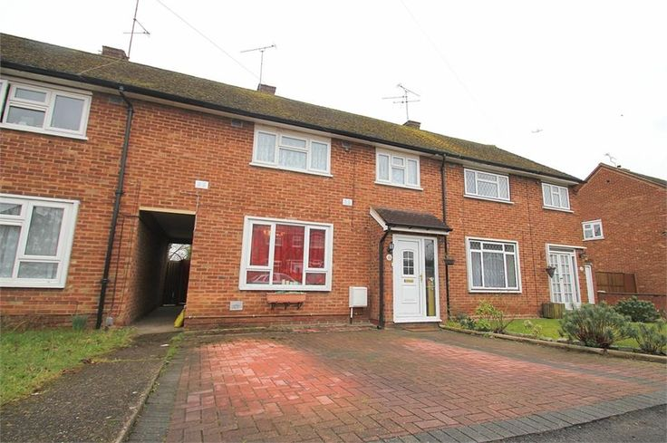 To Let Randall Close , Langley £1,400 Freehold