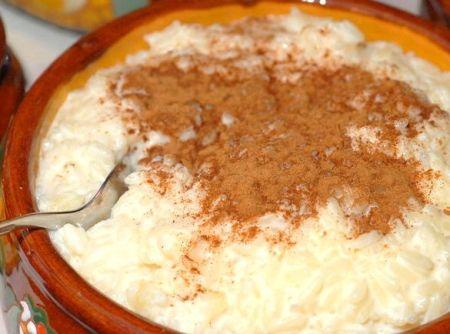 Canjica cremosa com coco - Veja como fazer em: http://cybercook.com.br/receita-de-canjica-cremosa-com-coco-r-7-15798.html?pinterest-rec