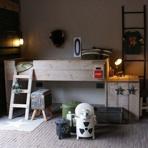 25 beste idee n over jongens leger kamer op pinterest leger kamer leger slaapkamer en - Jongens kamer decoratie ideeen ...