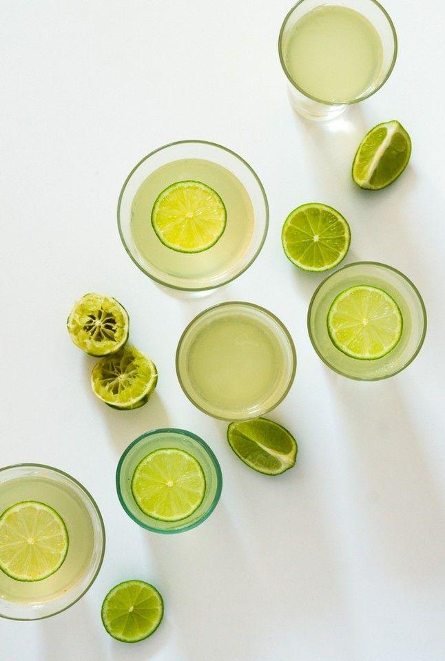 Gelatina de gin tónico com lima