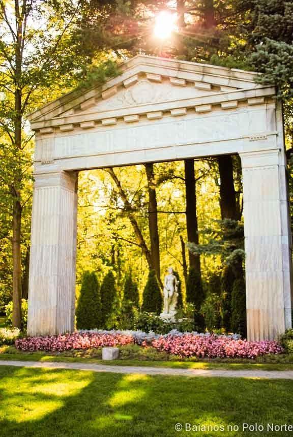 Toronto é uma cidade cheia de parques maravilhosos para curtir. Nesse post uma lista com 15 jardins para você visitar na primavera ou verão.