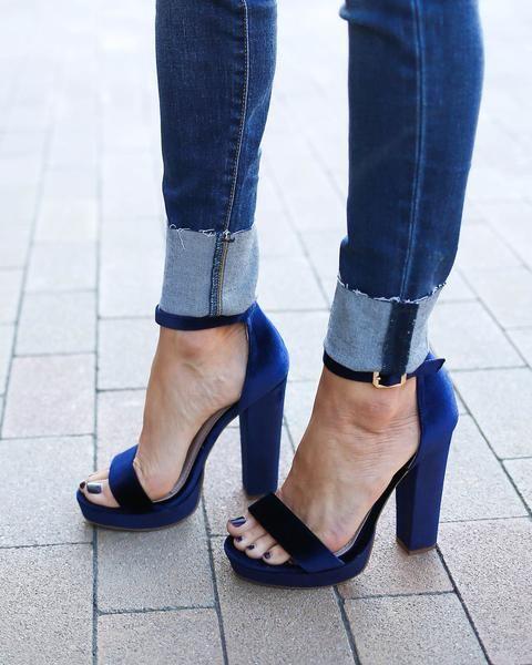 Lovato Velvet Heel - Blue
