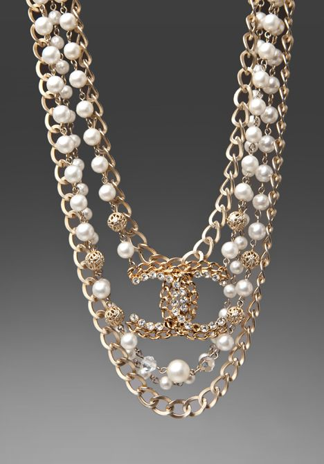 Stunning Chanel Pearl Necklace