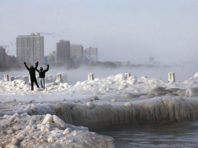 photo froid glacial Etats Unis 3 640x478 Le Lac Michigan gelé par les températures glaciales