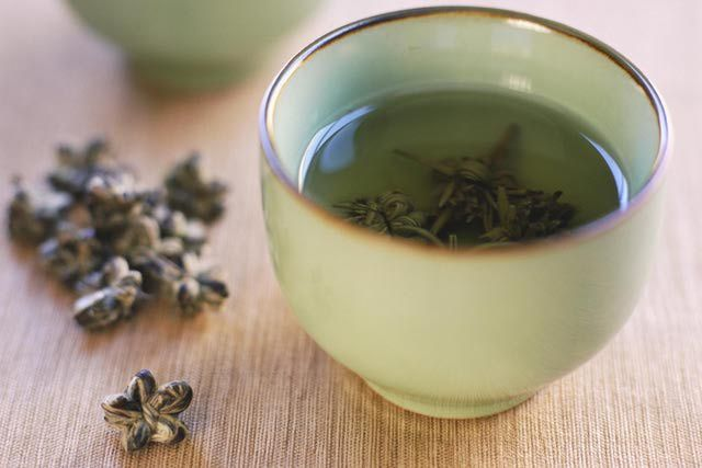 fluoride-rich white tea - white tea has more fluoride than green tea which has more than black tea... fluoride was used to SLOW DOWN the Thyroid for many, many years. I don't need to slow down my sluggish Thyroid.